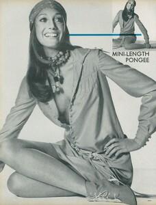 Little_Dress_US_Vogue_April_1st_1970_13.thumb.jpg.3c3d61e646aec4798301b0d68711b9a5.jpg