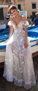 MUSE-by-Berta-Sicily-Wedding-Dress-Collection-BG6I0265-615x1452.jpg