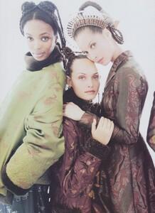 Mavericks_Meisel_US_Vogue_September_1994_05.thumb.jpg.2bcfa688b6574ed6ffd8e62f30aa26a9.jpg
