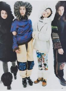 Mavericks_Meisel_US_Vogue_September_1994_08.thumb.jpg.25ca3546c8ebd4d45a27d88cbe525f02.jpg