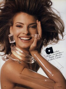 Meisel_US_Vogue_June_1987_01.thumb.jpg.e2440a81c295aa1e2a9cac49af4b4b8c.jpg