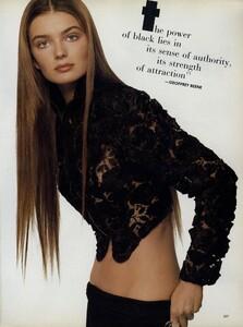 Meisel_US_Vogue_June_1987_04.thumb.jpg.aa631216dfefe07c57284aab12ff4513.jpg