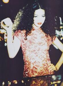 Modern_von_Unwerth_US_Vogue_September_1994_04.thumb.jpg.b3897bcd9f6e6aad2ba2fa4281371ec7.jpg