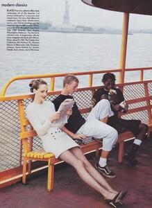 Modern_von_Unwerth_US_Vogue_September_1994_07.thumb.jpg.097534ef921bbd10d8b8b7afdd88b68e.jpg