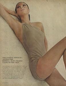 Ondine_Parkinson_US_Vogue_May_1965_03.thumb.jpg.6b84d8da131be62749f852024d62f766.jpg