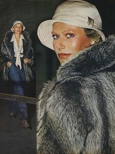 Pakchanian_US_Vogue_September_15th_1972_03.thumb.jpg.c7999b8a7343115b9a1920c1d0504845.jpg