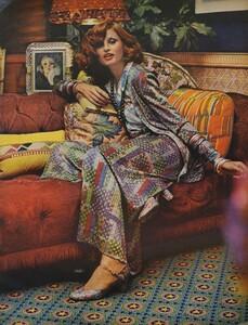 Pakchanian_US_Vogue_September_15th_1972_08.thumb.jpg.4f55d7d2612d53ecae50a1f23def7b8a.jpg