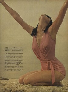 Parkinson_Horst_US_Vogue_January_1st_1965_04.thumb.jpg.1552c8dc7fd45cd754a3864ad091e00d.jpg