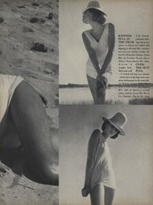 Parkinson_Horst_US_Vogue_January_1st_1965_08.thumb.jpg.4cb543ab7488a55504c8d2d26e5d87ee.jpg
