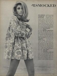 Parkinson_Horst_US_Vogue_January_1st_1965_11.thumb.jpg.c0b7cac232250bb9b567eb95eb24fe57.jpg