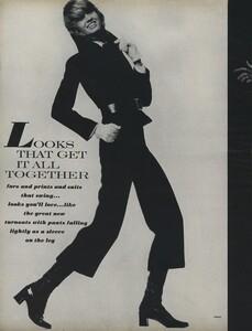 Penati_US_Vogue_October_15th_1970_01.thumb.jpg.c710a700f0baf96119cac1dbfc911f77.jpg