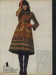 Penati_US_Vogue_October_15th_1970_03.thumb.jpg.2b0090cfe6666259ab4417ab1f2d8b74.jpg