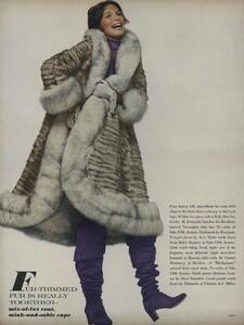Penati_US_Vogue_October_15th_1970_05.thumb.jpg.8fead1fba0abf9628e51657d9e57d192.jpg