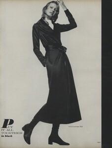 Penati_US_Vogue_October_15th_1970_07.thumb.jpg.83be7d3082065772e929e2bfcdf62bf7.jpg