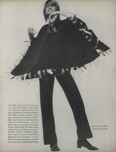 Penati_US_Vogue_October_15th_1970_08.thumb.jpg.2a584a6bc9c09815aac8b5ab70dd32ff.jpg