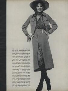 Penati_US_Vogue_October_15th_1970_10.thumb.jpg.28551fadaebc6fa5f37ee0fdfcf4ed69.jpg