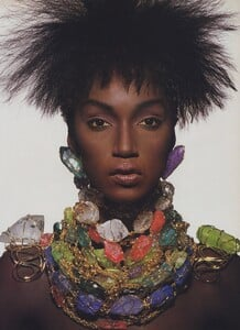 Penn_US_Vogue_April_1988_06.thumb.jpg.ef6e5ef483eb506f38c0f98d0491eb6a.jpg