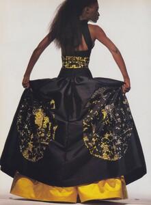 Penn_US_Vogue_April_1988_13.thumb.jpg.4a2d2e0b008d771295911b2e992fa84b.jpg