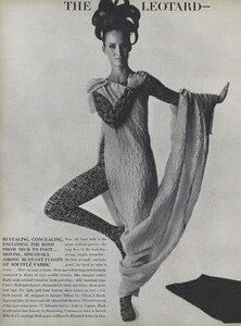 Predictions_Penn_US_Vogue_January_1st_1965_05.thumb.jpg.4c4690c260882ffc253e0b1729c41045.jpg