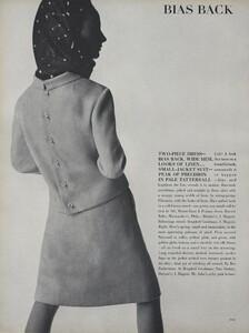 Predictions_Penn_US_Vogue_January_1st_1965_11.thumb.jpg.d6f572692afc175c902c61889a92f911.jpg