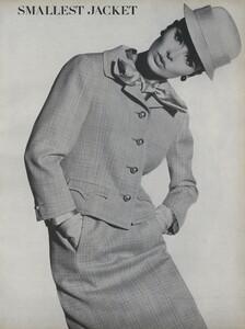 Predictions_Penn_US_Vogue_January_1st_1965_12.thumb.jpg.f28eca02e35d9c9596a304f362aa1c67.jpg