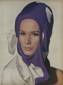 Predictions_Penn_US_Vogue_January_1st_1965_14.thumb.jpg.3ca94f8e3b66d0b284388091e0daf09f.jpg