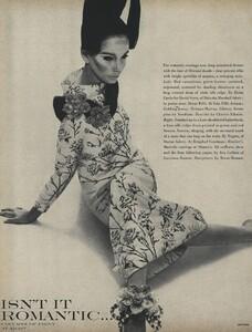 Romantic_Stern_US_Vogue_March_15th_1966_01.thumb.jpg.c1189880c320b86cf443130be2da539b.jpg