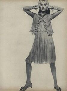 Romantic_Stern_US_Vogue_March_15th_1966_06.thumb.jpg.e3233988ee695cfd2bce3f377a6fac8e.jpg