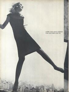 Rubartelli_US_Vogue_January_15th_1965_01.thumb.jpg.60db6578ef39f8688d4634c70276eeb8.jpg