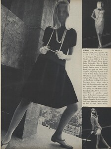Rubartelli_US_Vogue_January_15th_1965_02.thumb.jpg.d92e8a9989fd9c35c64ddc0a502b566d.jpg