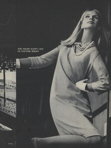 Rubartelli_US_Vogue_January_15th_1965_06.thumb.jpg.985555412a033438f58549d7c35316af.jpg