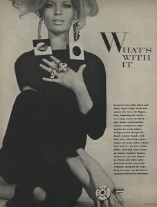 Rubartelli_US_Vogue_March_15th_1966_01.thumb.jpg.a097cb8762013ad6422d87518808a775.jpg
