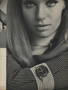 Rubartelli_US_Vogue_March_15th_1966_06.thumb.jpg.5a2ba5e2097f902bbfd500b88f5aff1b.jpg