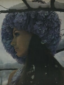 Snowdrops_Avedon_US_Vogue_March_15th_1966_04.thumb.jpg.4bffc3eaf5945fc5640760920aebeaa7.jpg