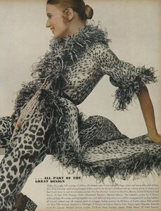 Sprints_Penati_US_Vogue_April_15th_1970_02.thumb.jpg.f0221a6e8b40956ca78e87042567afc6.jpg