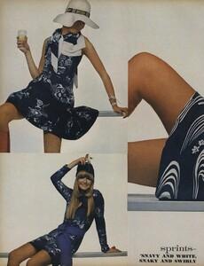 Sprints_Penati_US_Vogue_April_15th_1970_03.thumb.jpg.666711459c19742a0fae0f5e0e5eac76.jpg