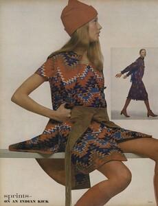 Sprints_Penati_US_Vogue_April_15th_1970_05.thumb.jpg.85cee69c3f378f429645a7bdba82d0e4.jpg