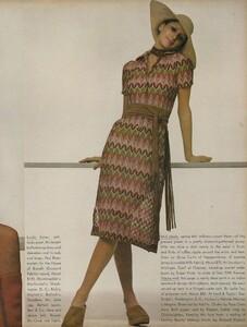Sprints_Penati_US_Vogue_April_15th_1970_06.thumb.jpg.edcff3e4a0320e1f615a15c5b819cf1f.jpg