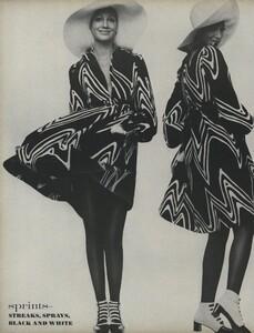 Sprints_Penati_US_Vogue_April_15th_1970_13.thumb.jpg.c094c47e3da1f913e07c4e6139894711.jpg
