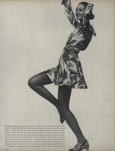 Sprints_Penati_US_Vogue_April_15th_1970_14.thumb.jpg.a58945c175f2af3e6a253750ec487c3b.jpg