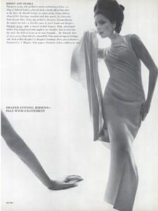 Stern_US_Vogue_January_15th_1965_08.thumb.jpg.4292e9bdc71cd5b13353f871f2ebe8b2.jpg