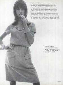 Stern_US_Vogue_January_15th_1965_09.thumb.jpg.71a73ab39d6436fadf47f11efae19308.jpg