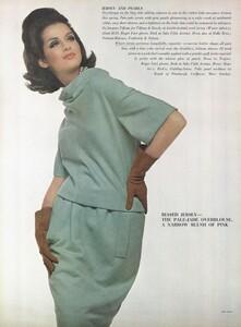 Stern_US_Vogue_January_15th_1965_11.thumb.jpg.c1ee346934c2febd89aeab4b738268e9.jpg