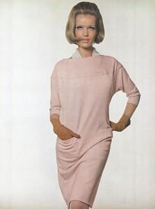 Stern_US_Vogue_January_15th_1965_12.thumb.jpg.6a6182686b4fecfa91da2b8c5521d5cb.jpg