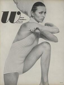 Stern_US_Vogue_May_1966_09.thumb.jpg.1aa0e6e6974ce1f03fac0f22034f5590.jpg