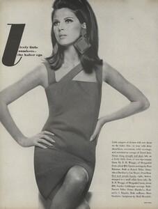Stern_US_Vogue_May_1966_23.thumb.jpg.4e8d4f2e3c1d0e4369045952ed4ba149.jpg