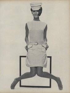 Stern_US_Vogue_May_1966_36.thumb.jpg.678327a87c314aa0c4f3b8e15bab7b97.jpg