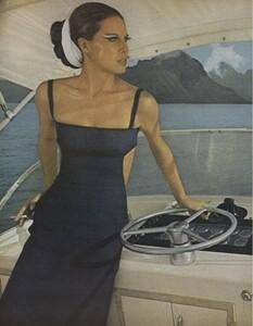 Summer_Parkinson_US_Vogue_May_1965_01.thumb.jpg.082f66d22ad542efdc571479bb8aaf7d.jpg
