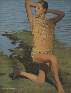 Summer_Parkinson_US_Vogue_May_1965_03.thumb.jpg.049d5936c24f289b729a23933948faa0.jpg