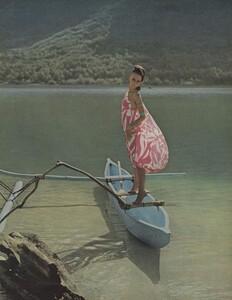 Summer_Parkinson_US_Vogue_May_1965_06.thumb.jpg.46300cf0797e1ceeeec54b4ab6ec83cf.jpg